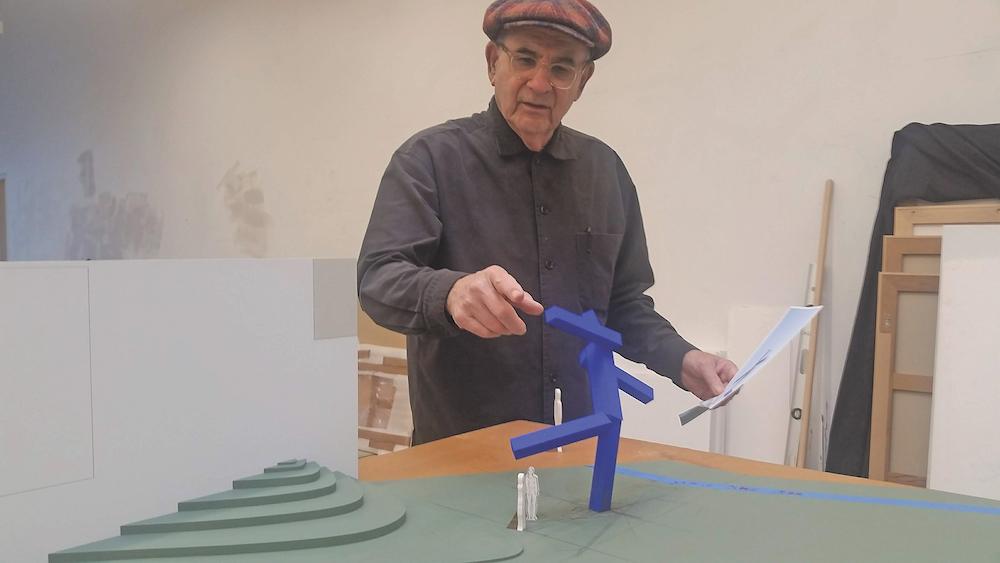 Sculptor Joel Shapiro in his studio